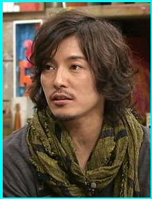 画像引用元:http://pic.prepics-cdn.com/fujikinaohito/35832331_220x287.jpeg